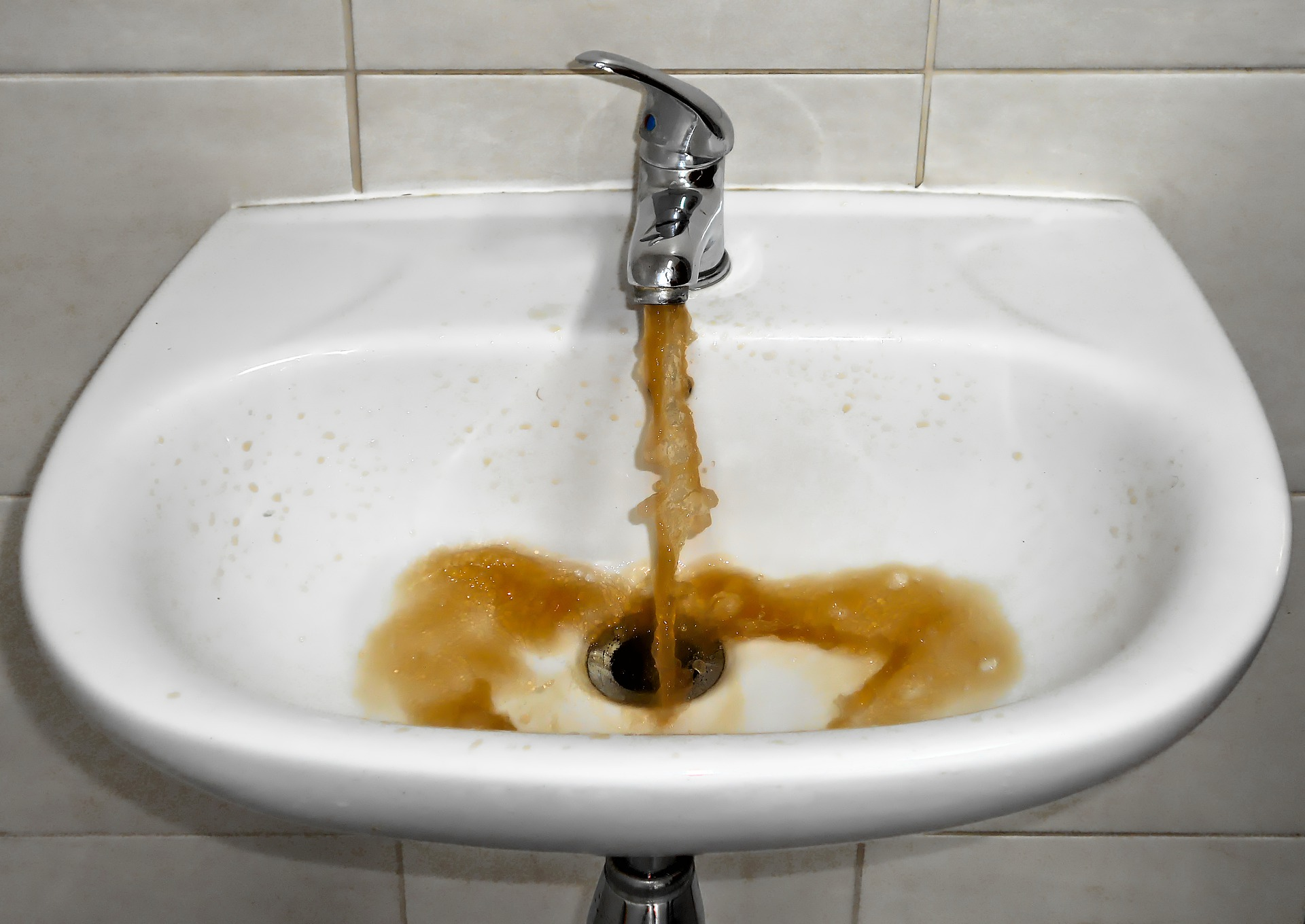 Dirty faucet well water
