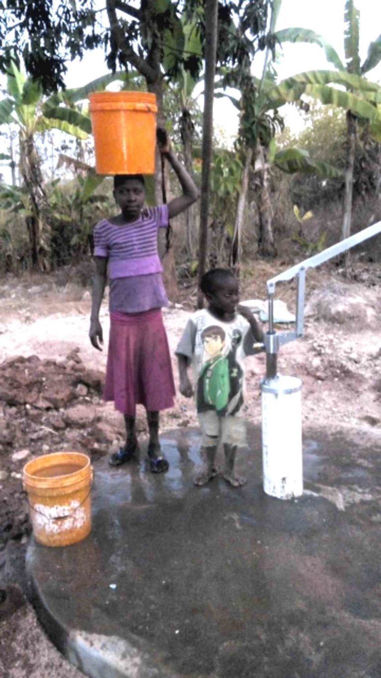 Simple Pump Customer Installation Deep Well Hand Pump in Tanzania